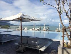 Amazing resort, incredible food, okay rooms