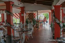 Gato Negro Restaurant