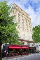 โรงแรมโกลเด้นเอจ 2