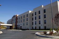 Hampton Inn & Suites Harrisburg North