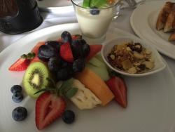 Continental Breakfast, Room Service