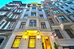 Next2 Hotel