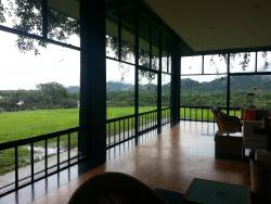 Excellent Service by all staff, Stunning View over tree tops to Lake & Sigiriya.