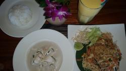 Pad thai e pollo al cocco