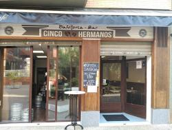 Cinco Hermanos Café Bar