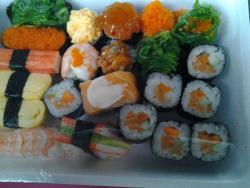 Auntie Moon Sushi