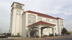 奧克拉荷馬城摩爾拉昆塔套房飯店