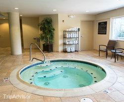 The Indoor Pool at the Hampton Inn & Suites Wells-Ogunquit