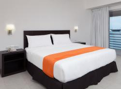 新韋拉克魯斯耶思旅館