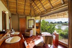 Lagoon Camp - Kwando Safaris