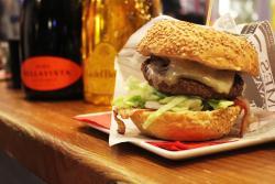 La Luge Beer & Burger Bar