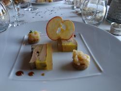 foie gras de canard au poivre, pâte de pomme,...
