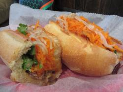 Xe May Sandwich Shop