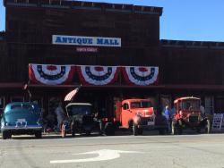 The Barn Antiques & Unique