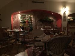 Val's Brasserie