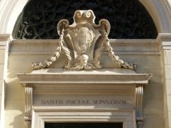 Tomba di Dante e Quadrarco di Braccioforte