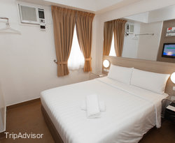 The Double Room at the Red Planet Manila Mabini
