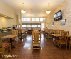 Breakfast Room at the BEST WESTERN PLUS Sunset Suites-Riverwalk