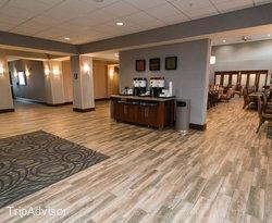 Lobby at the Hampton Inn & Suites Minneapolis - St. Paul Airport