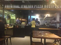 Scoozi Pizzeria