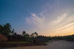 Klub Khavana - The Beachside Resort