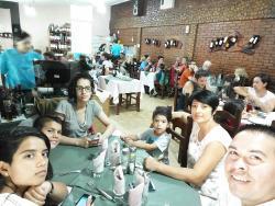 Almorzando en familia