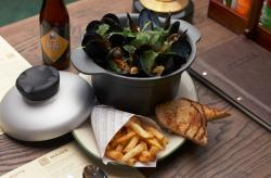 Mussels Pot served with frites