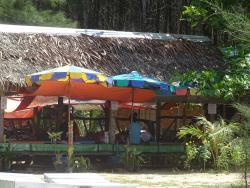 Massagen am Strand an der Memories Bar