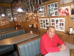 UNCLE Harry's Deli Restaurant