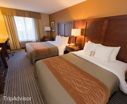 The Deluxe Room at the Comfort Inn at the Park