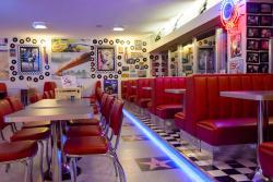 Mel's Bar