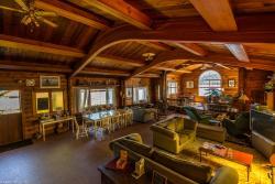 Alert Bay Lodge