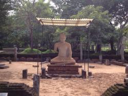 Short Handed Statue