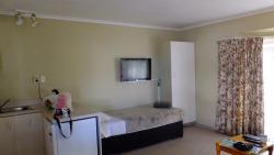 Single bed of 3 bed room