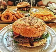 Arcimboldo Gourmet Burger & Co