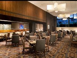 700 Main  Restaurant  at Sheraton Stamford Hotel