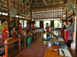 ‪Thai Farm Cooking School‬