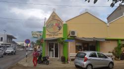 Exito Bakery & Cafe