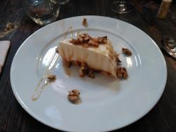 Tarta de cuajada con nueces y miel