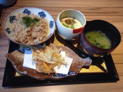 Delicious Local Fish & Sake Totoya