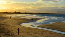 A stunnin sunset at Byron Bay, Australia (168948096)