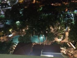 E Spot at the Embassy Suites Fort Lauderdale