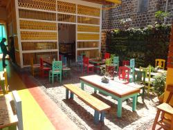 Cafe Macanas