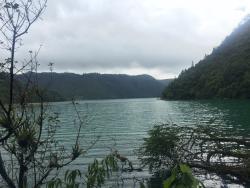 Laguna Brava / Lago Yolnabaj (vista desde el sendero)