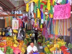 mercado de artesanias  lucas Balderas