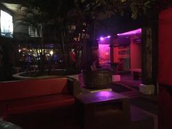 Ed's Bar