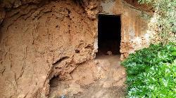 Grutas perto da Queda do Vigário, Alte, Algarve