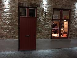 Вход в ресторан Bistro De Schaar