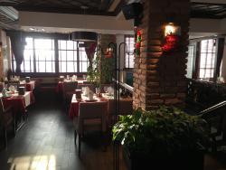 Clean, friendly, great decor!
