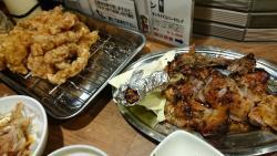 唐揚げと骨付き鶏